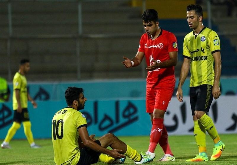 مدافع پدیده: گل محمدی مربی فوق العاده ای است، الهامی به خاطر حرف من توپ را به تیم حریف نداد