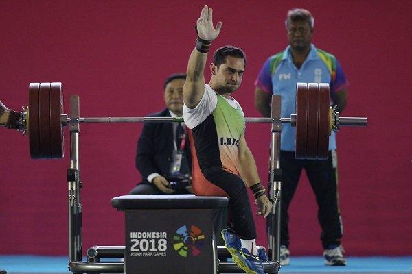 حمله قهرمان آسیا به رکورد آسیا و توزیع مدال توسط سلطانی فر
