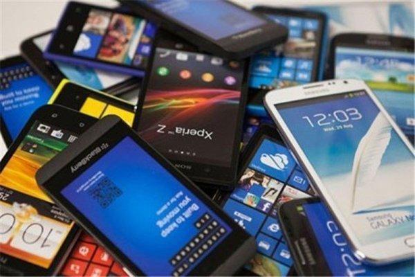 بیشتر موبایل های وارداتی ترخیص شده اند