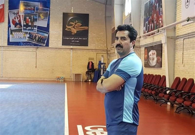 محمد ناظم الشریعه: بازیکنان جوان از ملی پوشان با تجربه درس می گیرند