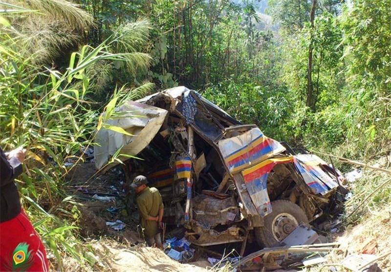 دست کم 18 کشته درپی سقوط یک اتوبوس به داخل رودخانه ای در اندونزی