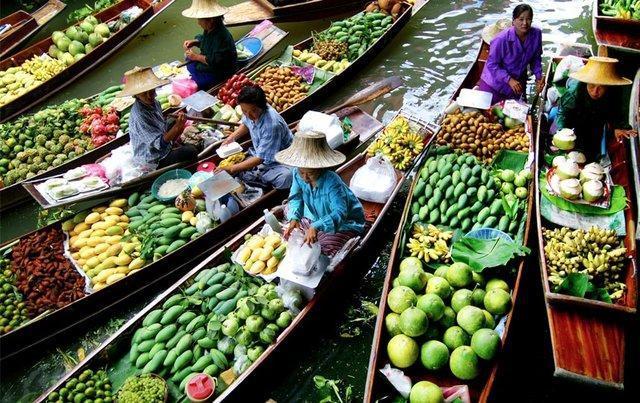 بازارهای شناور، نمایشگاه های روان تایلند