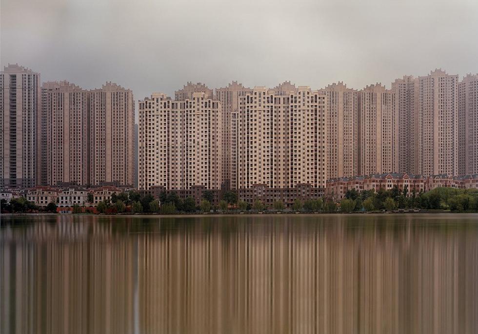 عکس هایی از شهرهای مرموز، وهم انگیز و مدرن ولی کاملا خالی از سکنه در کشور چین