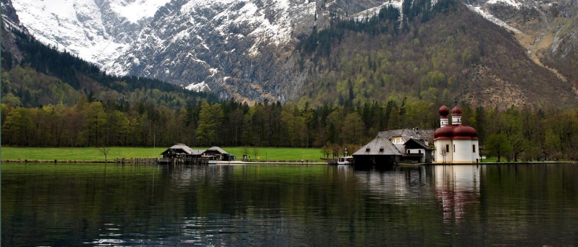 10 دریاچه شگفت انگیز اروپا