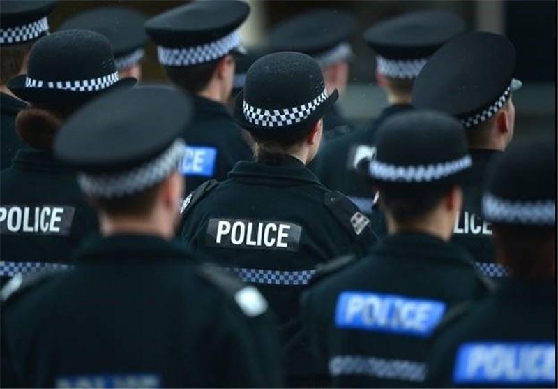 بچه ها انگلیسی اعتماد خود را به پلیس از دست داده اند