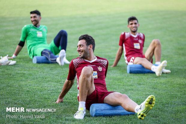 بیرانوند در تمرین پرسپولیس حاضر شد، دو بازیکن مازاد نیامدند