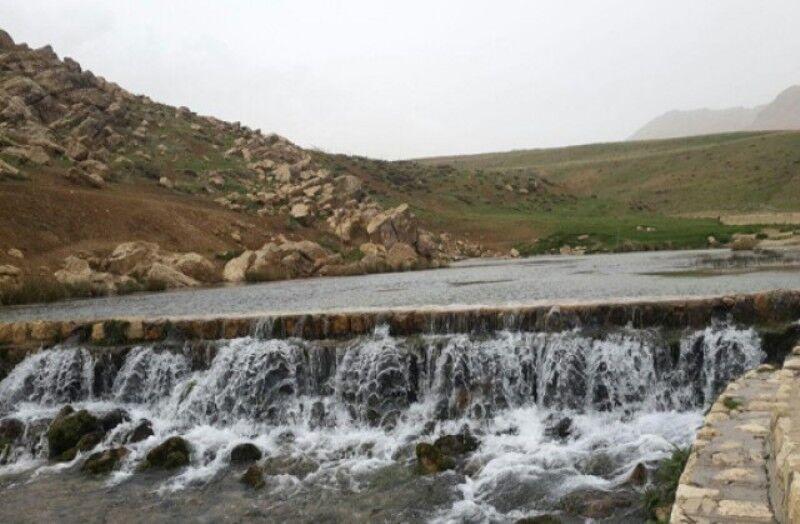 خبرنگاران منطقه گردشگری چشمه دیمه چهارمحال و بختیاری برای پیشگیری از شیوع کرونا بسته شد