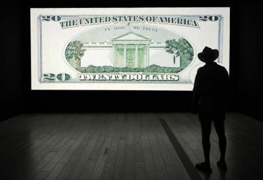 افت سنگین دلار در بازارهای جهانی پس از تحولات عراق