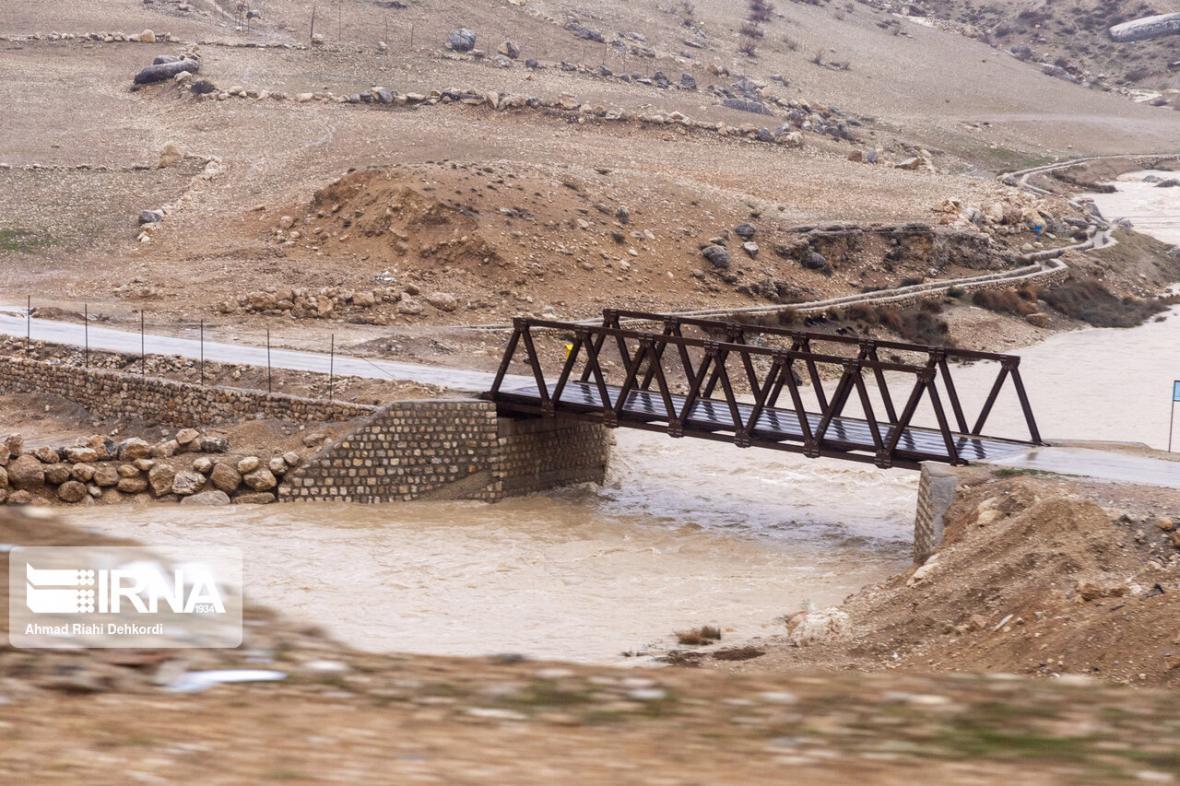 خبرنگاران میانگین بارش ها در چهارمحال و بختیاری به 472 میلیمتر رسید