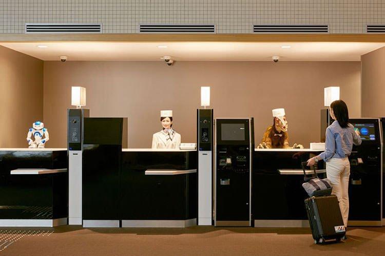 اولین هتل روباتیک جهان در ژاپن افتتاح شد