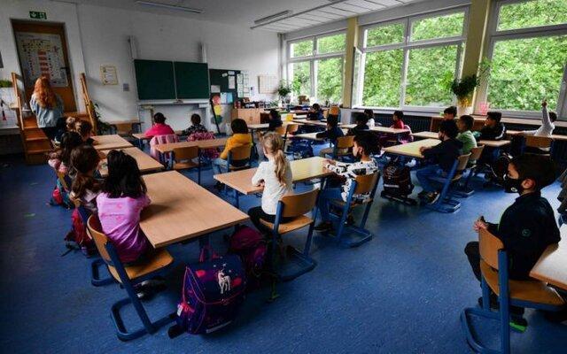 توصیه عجیب و غریب مقامات آلمان برای مهار کرونا در مدارس