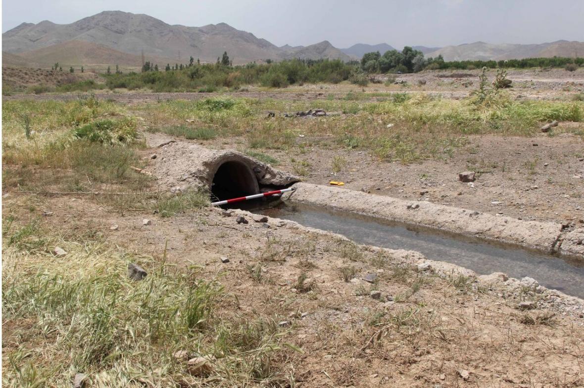 خبرنگاران قنات های شهر قنوات قم با انتقال آب های سطحی حفظ خواهد شد
