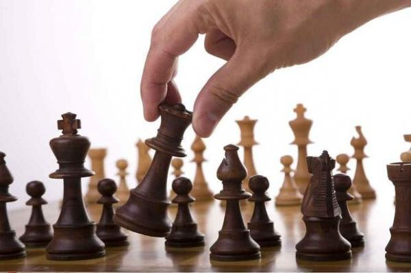 هوش مصنوعی مانند یک انسان شطرنج بازی می کند