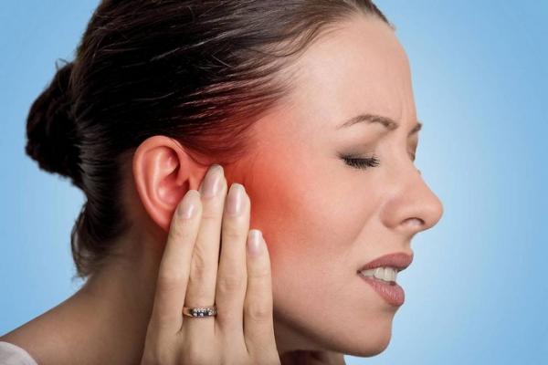 درمان عفونت گوش با استفاده از دارو و روش های خانگی
