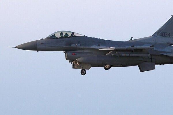 پرواز جنگنده های آمریکایی بر فراز مناطق غربی عراق