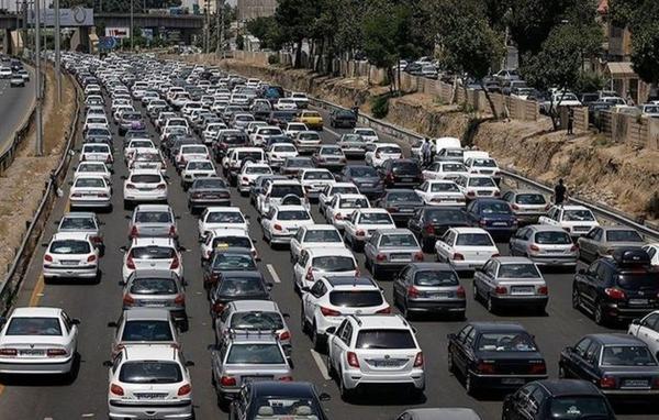 ترافیک در محور چالوس نیمه سنگین است