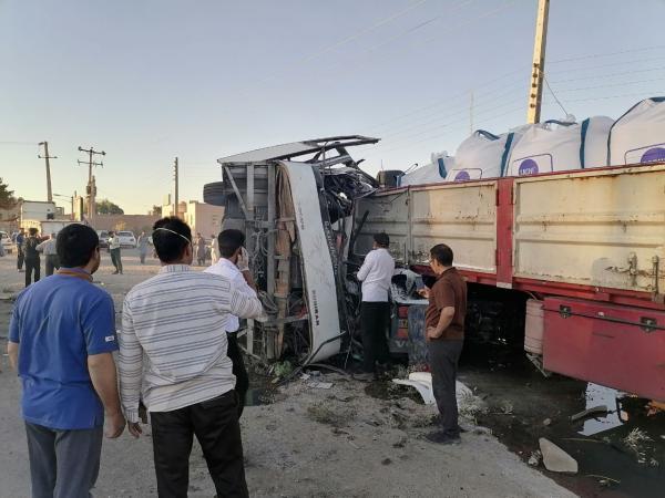 واژگونی اتوبوس مسافربری در تفت با 5 کشته و 30مجروح