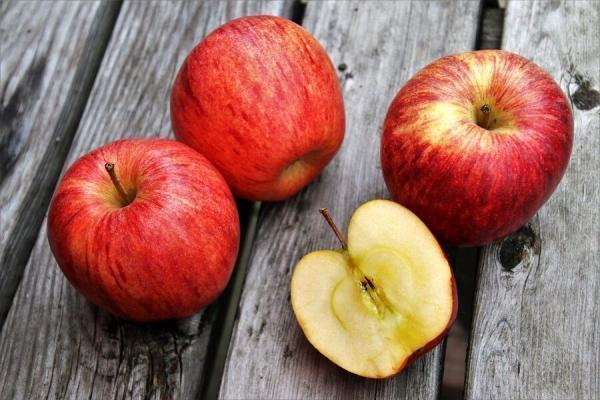 این 4 میوه در رژیم لاغری معجزه می نمایند