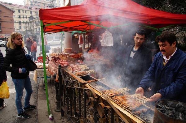 آدینه بازار مسلمانان در شانگهای چین