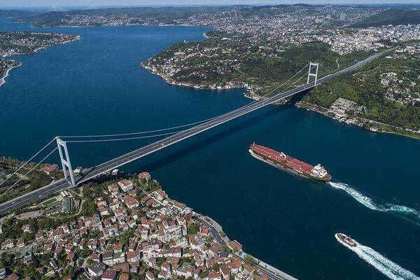 تور لحظه آخری ترکیه: برخورد کشتی های روسی و ترکیه ای در تنگه بسفر